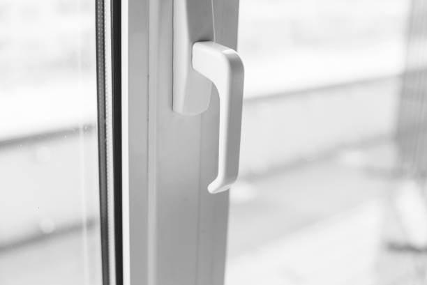Παράθυρο αλουμινίου σε λευκό χρώμα RAL
